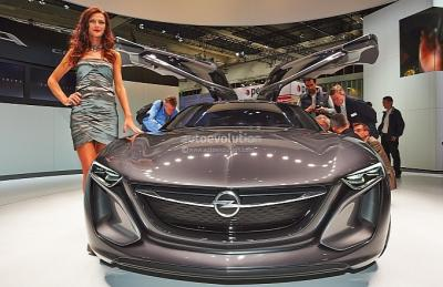 frankfurt_2013_opel_monza_concept_revealed_live_photos_medium_23.jpg